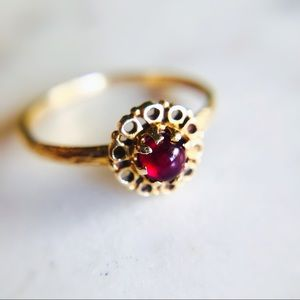 Jewelry - Antique 14K Gold Garnet Cabochon Ring Solitaire